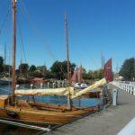 Vom Wiecker Hafen werden Boddenfahrten angeboten